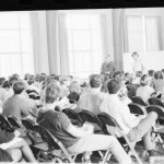 Senior caucus on whether or not to hold Commencement May 27, 1970