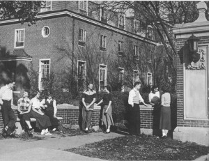 Students around the West Gate in 1951. From the 1951 Wesleyana.