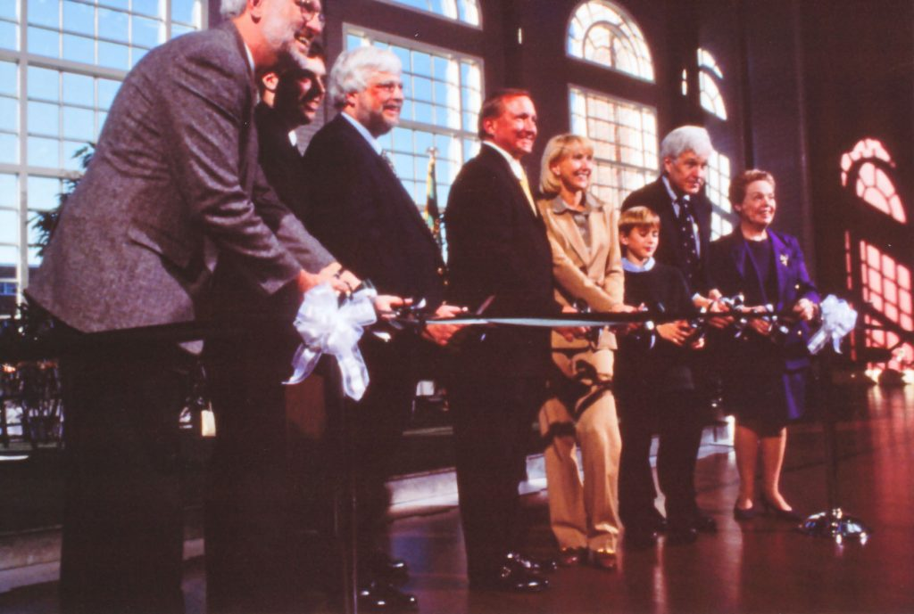Hansen ribbon cutting